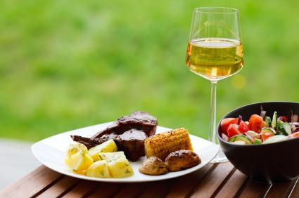 150413-425x282-White-wine-and-grill