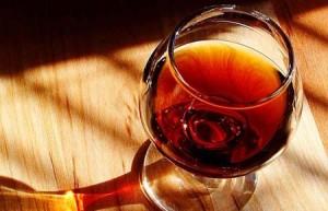 0226 gismondi glass of port.jp